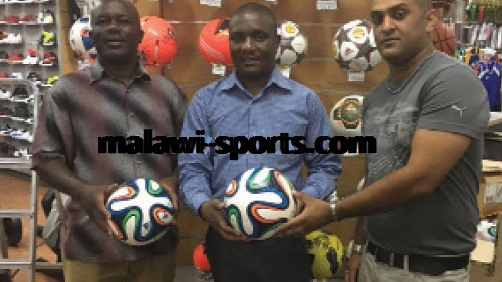 2016 Sports Administrators and Journalists tournament receives donation