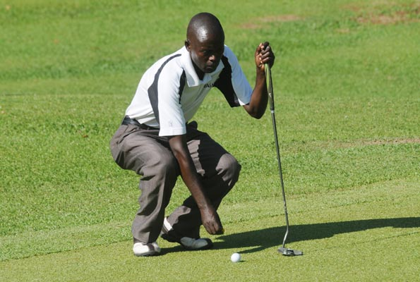 Golf team starts Zone VI preps